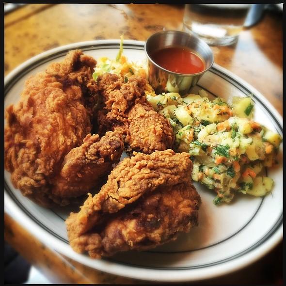 fried chicken @ Beat Hotel