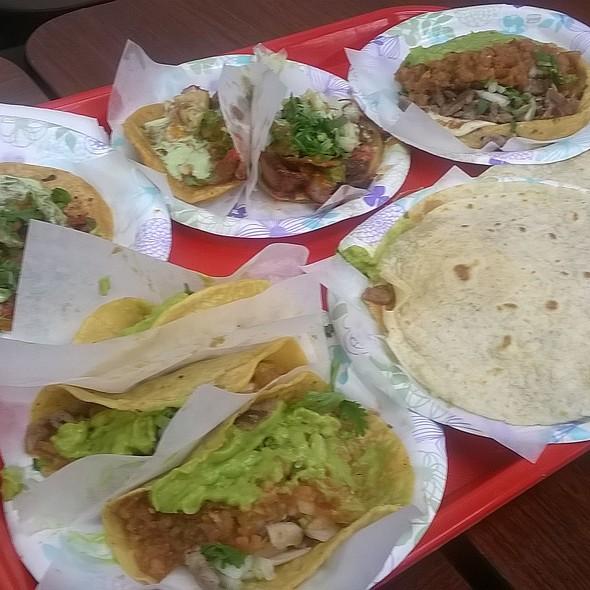 Miscellaneous Tacos @ Tacos El Gordo De Tijuana Bc