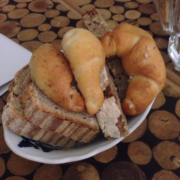 Bread Basket @ Čestr