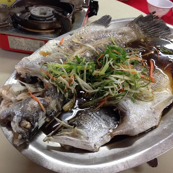 清蒸鱸魚 @ 野鴨谷餐廳