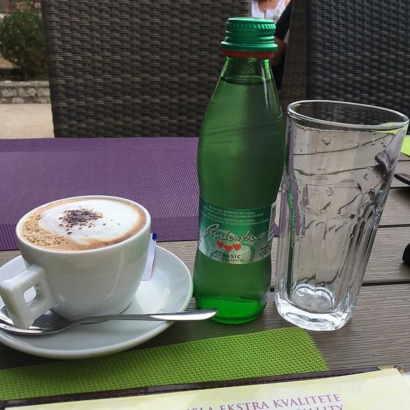 Cappuccino I Radenska Voda @ Restoran Aequum