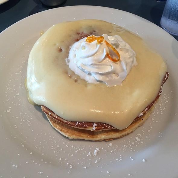 Lilikoi Pancakes @ Moena Cafe - Hawaii Kai