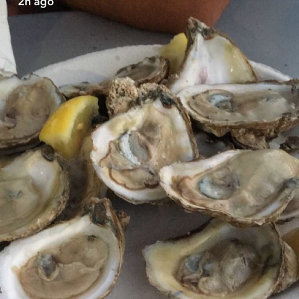 Oysters! @ Lusty Lobster