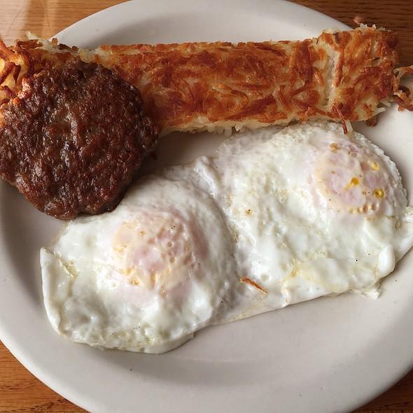 Hearty Breakfast @ Skagit Valley's Farmhouse Restaurant
