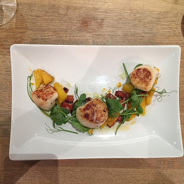Scallops With Saffron Pear & Chorizo