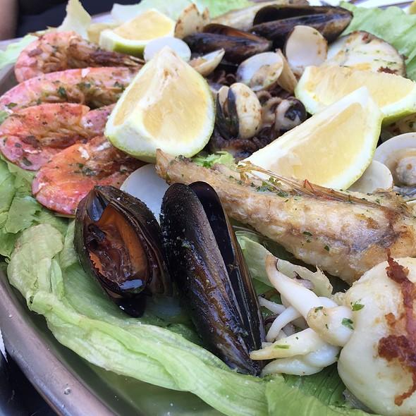 Parrillada De Pescado Y Marisco @ Bar Restaurante Alegre