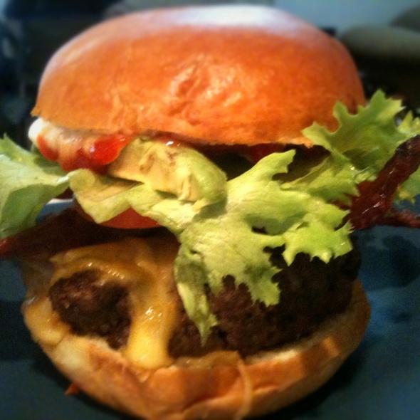 Cali-Burger @ Udi's Bread Cafe at Stapleton