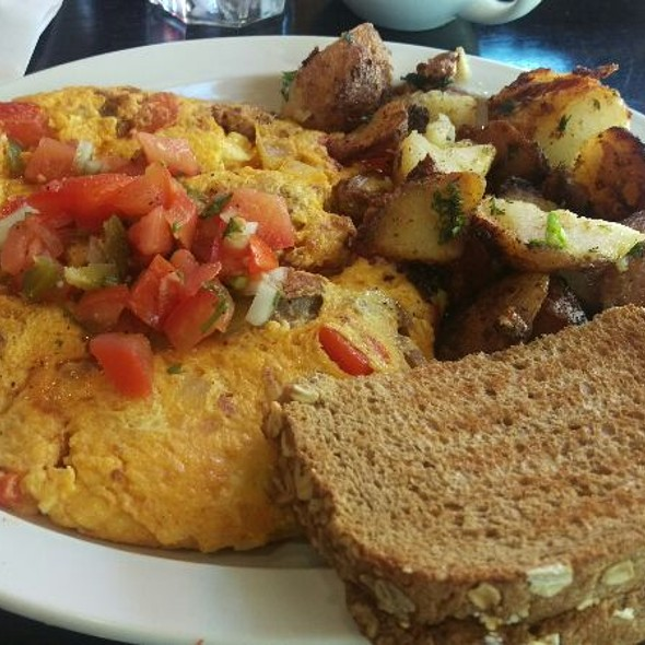 Chorizo Omelet @ Heavenly Bistro