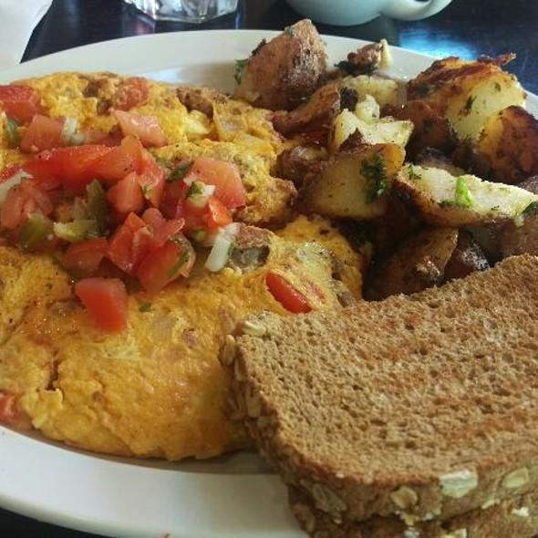 Chorizo Omelet @ Heavenly Bistro