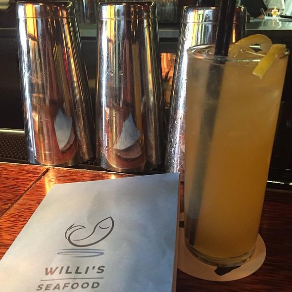 Belly Up - Willi's Seafood & Raw Bar, Healdsburg, CA