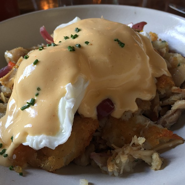 Chicken Confit Hash With Poached Eggs
