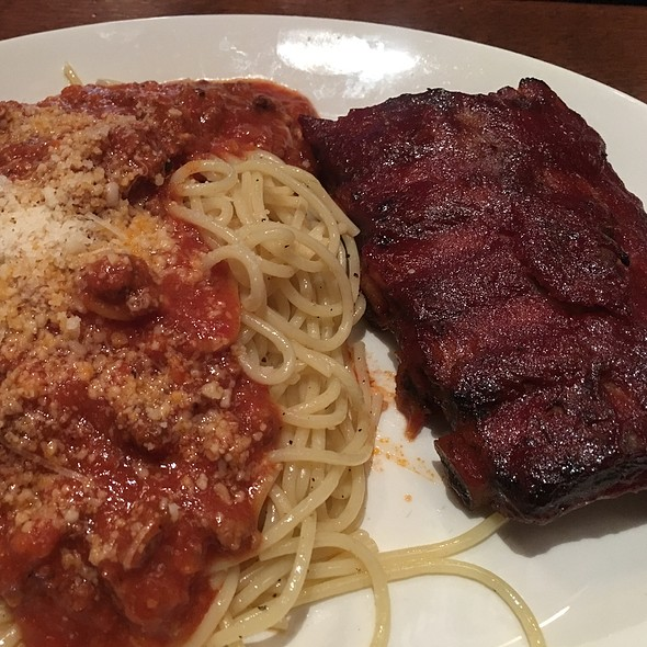 Bbq Ribs With Pasta @ Martini's Restaurant