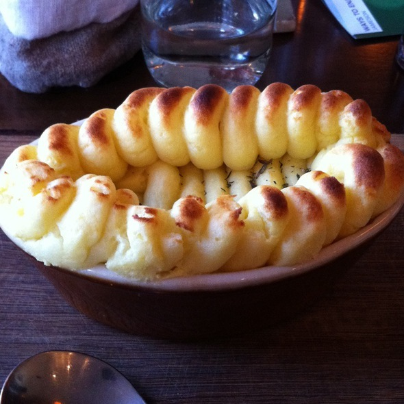 Traditional Shepherd's Pie @ The Pig's Ear