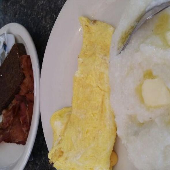 Breakfast! @ Pete's Grill