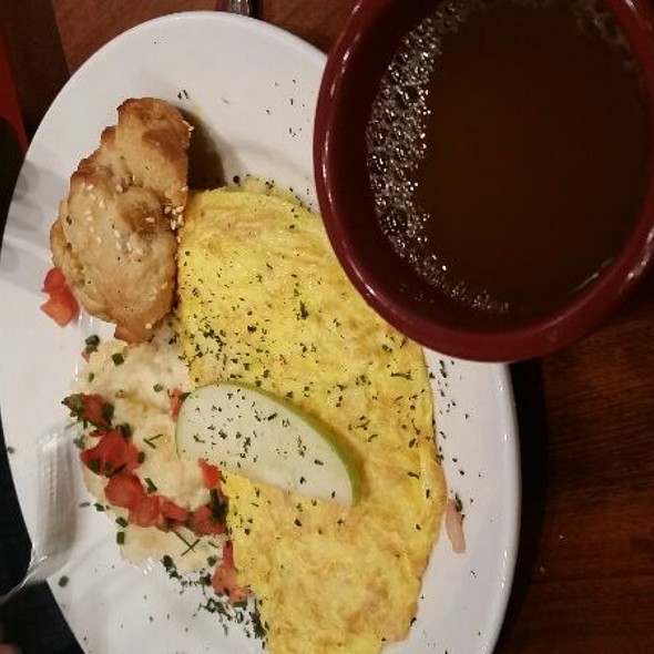 Omelette W Brie Cheese And Apple @ Miss Shirley's Cafe