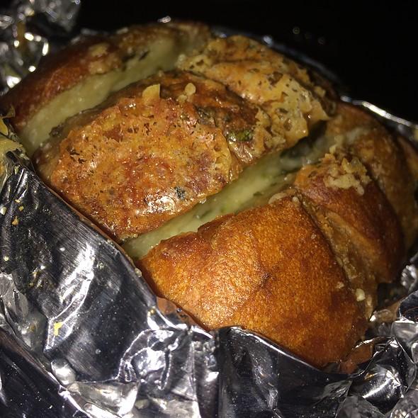 Cheesy Garlic Bread - Prime Italian, Miami Beach, FL