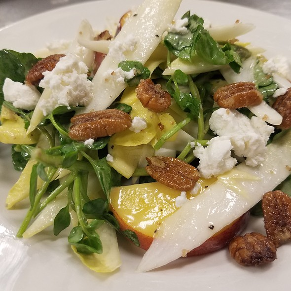 Peach And Endive Salad - Barclay's American Grille, Oak Park, IL
