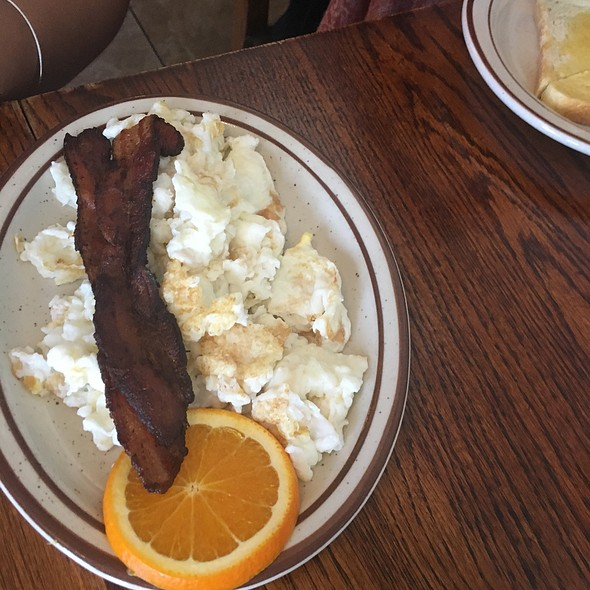 Two Egg Whites And Bacon @ Omlette Express