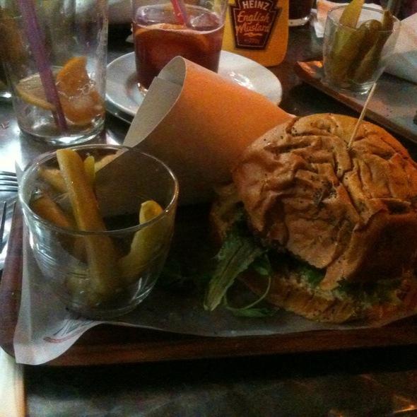 Hamburguesa Francesa @ Cafeteria N D