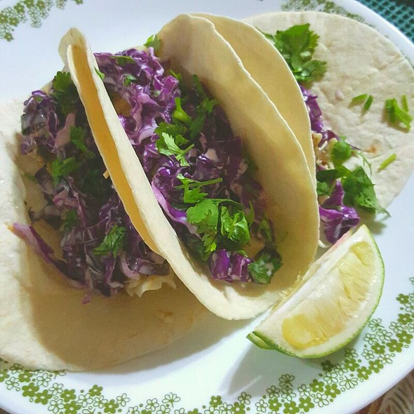 fish tacos @ Dindilicious