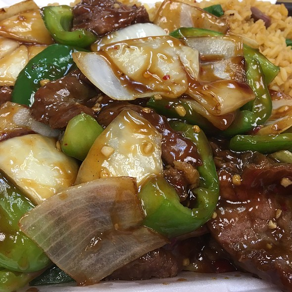 Spicy Beef With Peppers And Onions @ Tin Tsin Restaurant