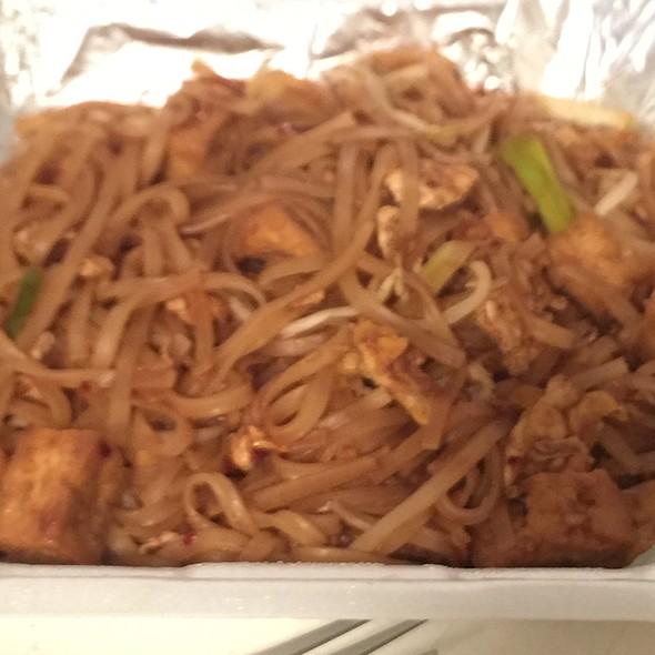 Tofu Pad Thai @ My Thai