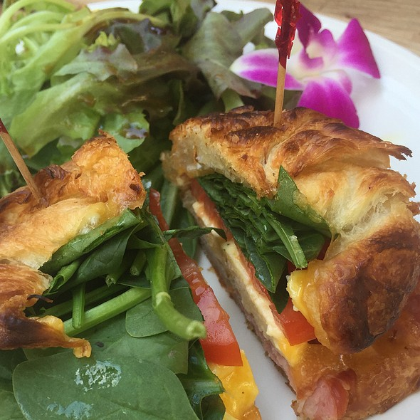 Ham & Cheese Croissant @ Island Vintage Coffee