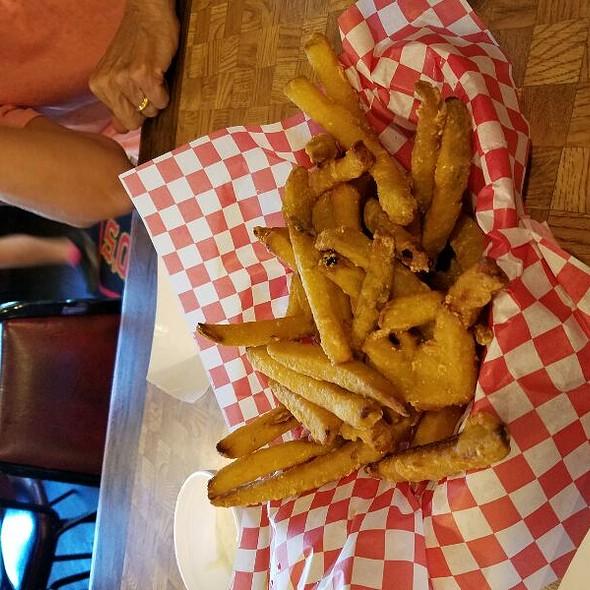 Fried Pickles @ Hayward's