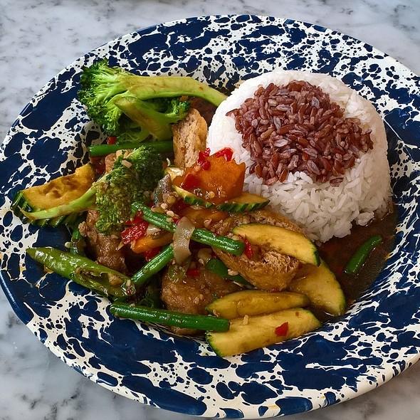 Chilli and Basil Stir Fry @ Rosa's Thai Cafe