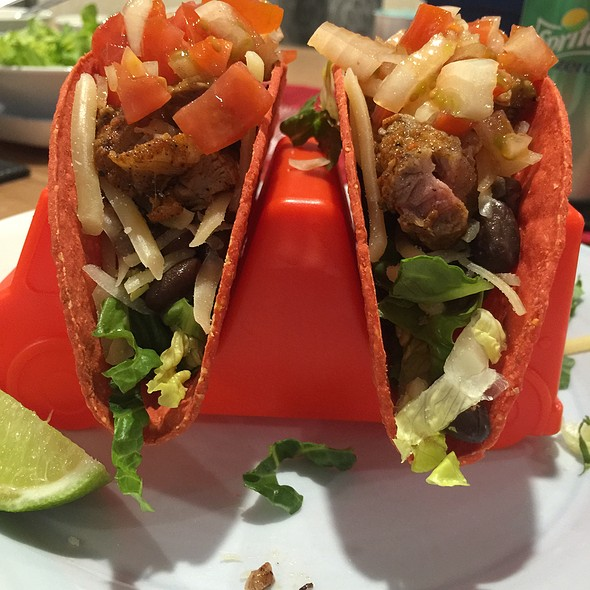 Chipotle Steak Tacos @ Chookys