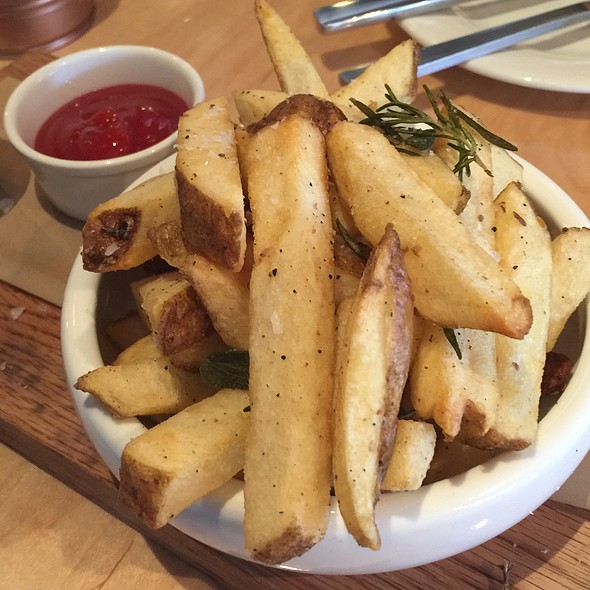 Kennebec French Fries @ Suburbia