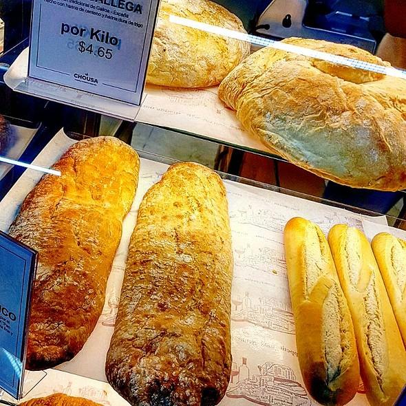 Artisan Breads @ La Bodega De La Esquina