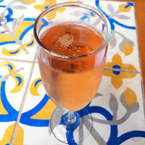 Sparkling Rose @ RM Champagne Salon