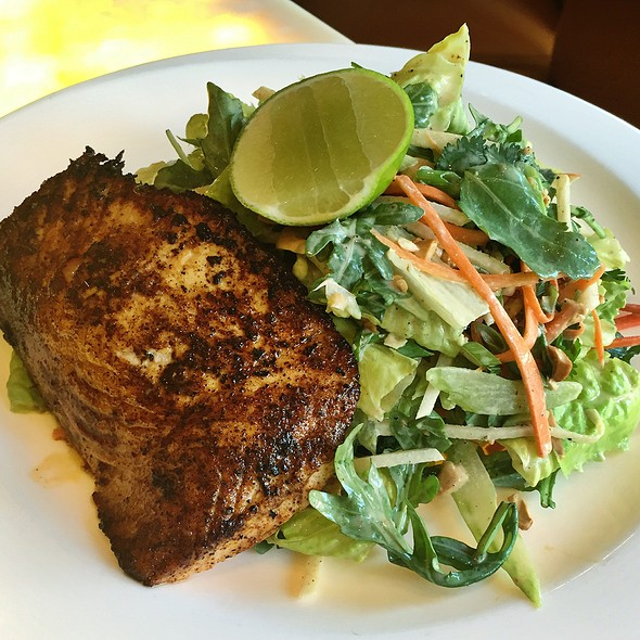 Chile Rubbed Salmon Salad @ Hubbell & Hudson