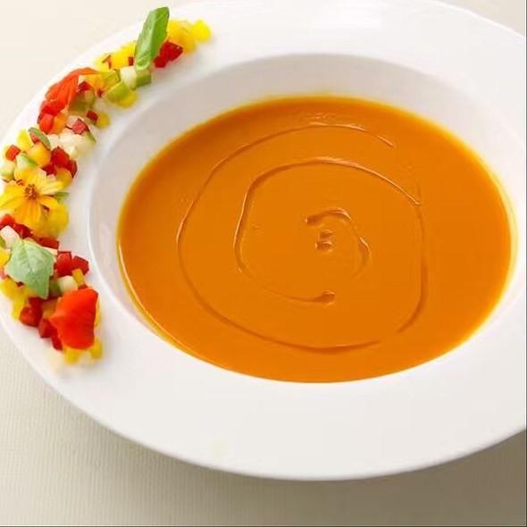 Tomato Soup @ Woodside Restaurant @ Parkyard Hotel Shanghai