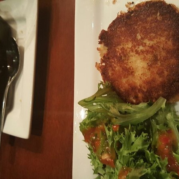 crab cakes. - Seasons 52 - Buckhead, Atlanta, GA