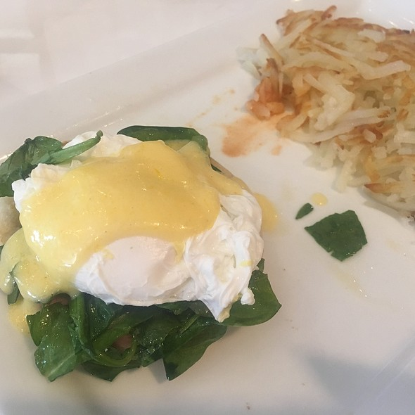 1/2 An Eggs Benedict @ Sheraton San Jose Hotel