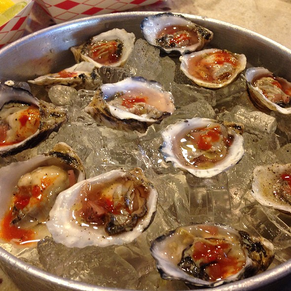12 Oysters @ 938 Crawfish