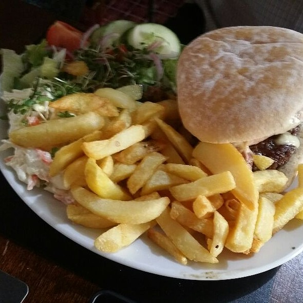 Beef Burger With Homemade Chips And Salad