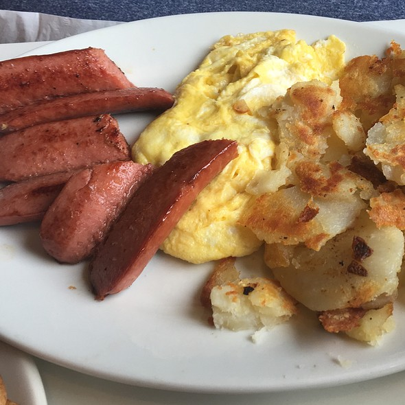 Smoked Sausage With Two Eggs @ Great Lakes Cafe
