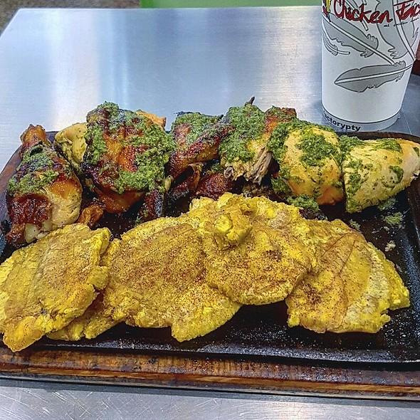 Medio Pollo Con Patacones @ Chicken Factory