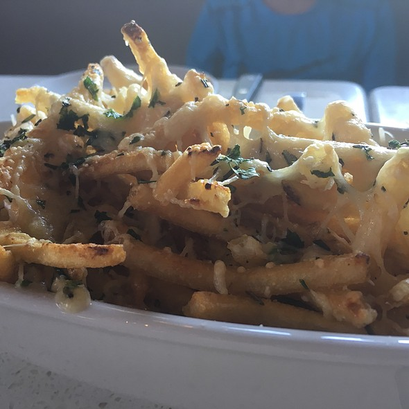 Parmesan & Garlic Fries @ The Counter