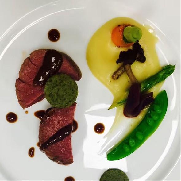 Roasted Beef @ Woodside Restaurant @ Parkyard Hotel Shanghai