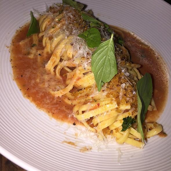Fresh Pasta Pomodoro