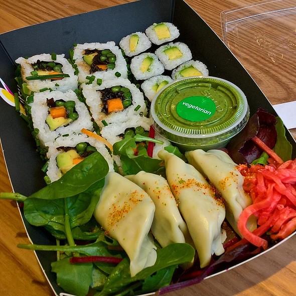 The Sushi Salad @ Itsu