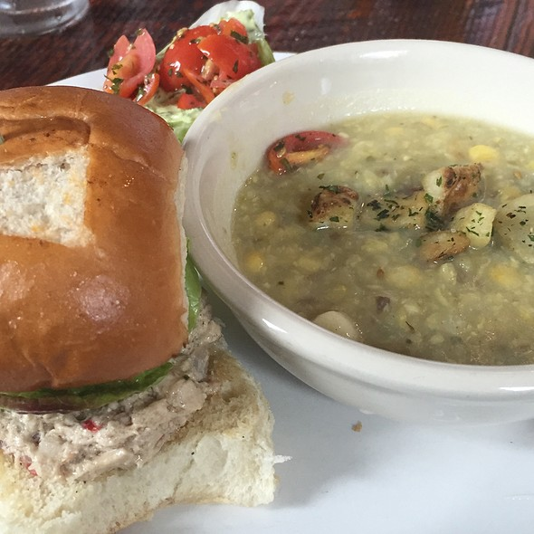 Soup De Jour - Chicken Salad Slider - Chok Salad