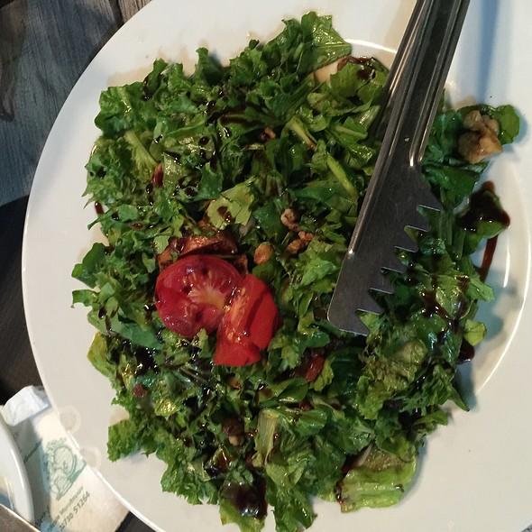 Salad @ To Magazaki Pou Legame