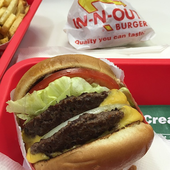 Double Double @ In-N-Out Burger