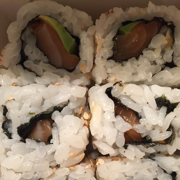 Salmon And Avocado Rolls With Spicy Sauce