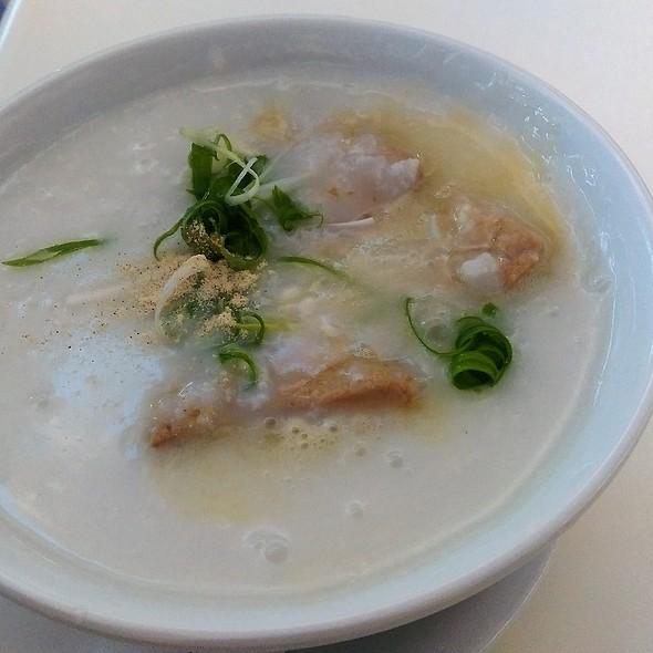 豬潤魚片粥 Fish Slices and Pork Liver Congee @ Tasty Congee and Noodle Wantun Shop 正斗